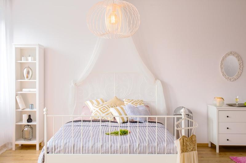 Bedroom Lighting Pillows Decor Design