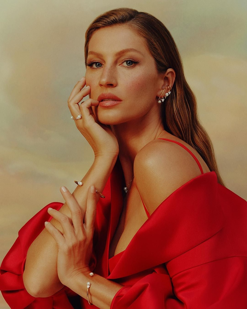 Dressed in red, Gisele Bundchen fronts Vivara Mother's Day 2021 campaign.