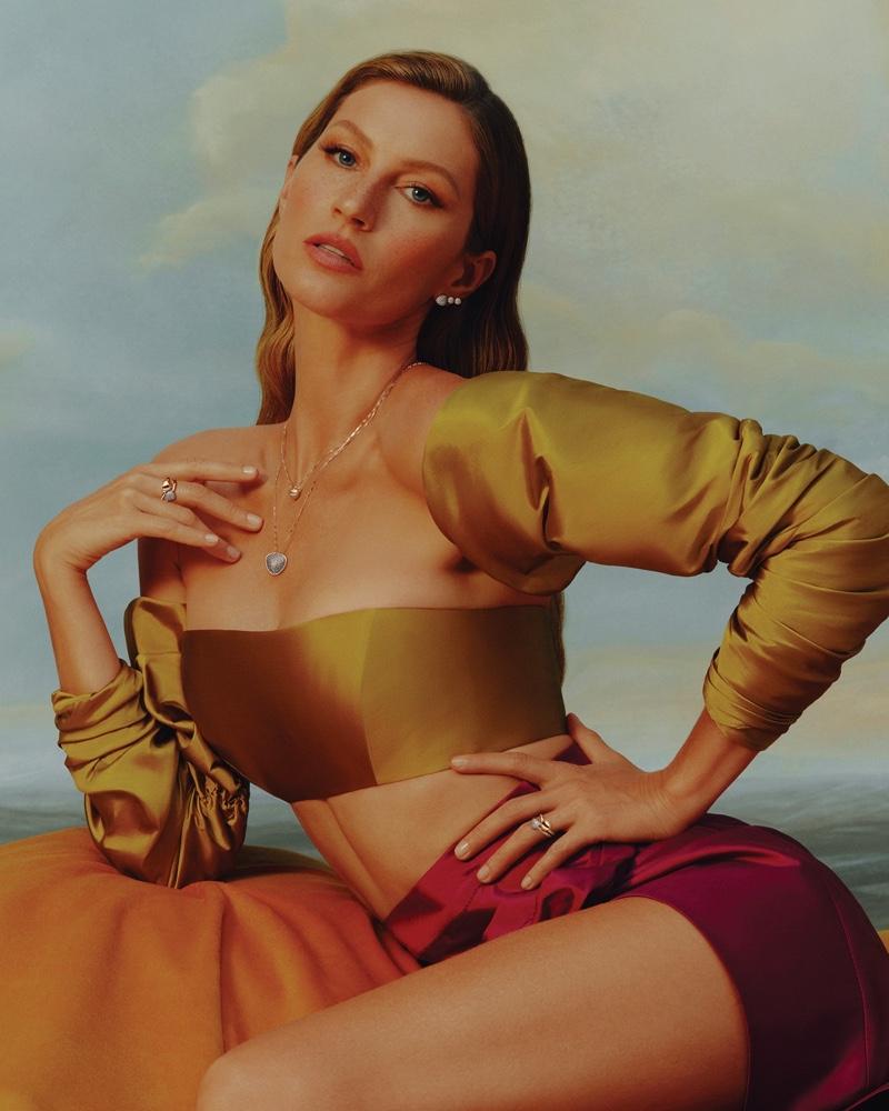 Gisele Bundchen appears in Vivara Mother's Day 2021 jewelry campaign.