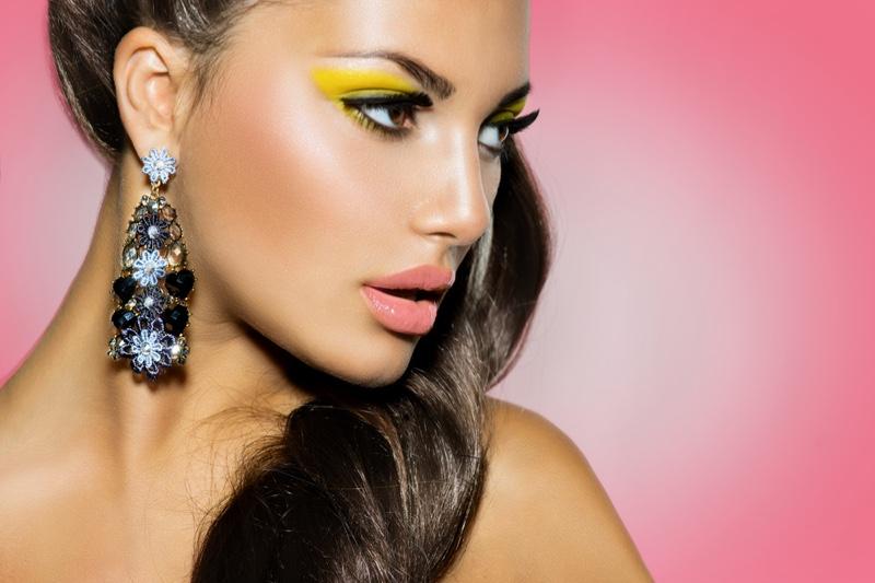 Glam Makeup Beauty Yellow Eyeshadow Statement Earring