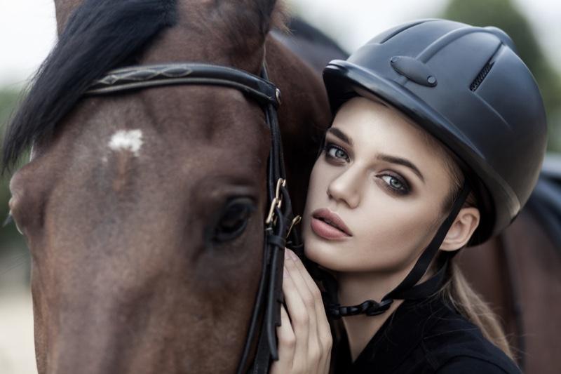 Model Closeup Horse Hat Beauty