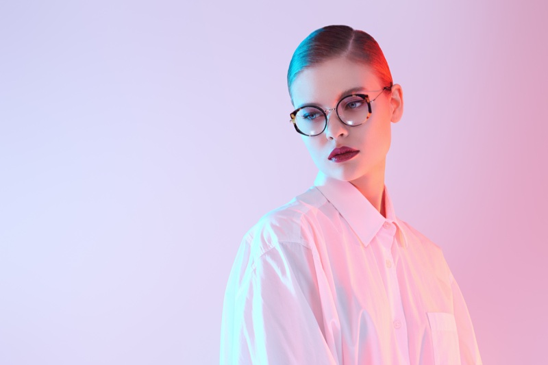 Model Optical Glasses White Shirt Pink Light