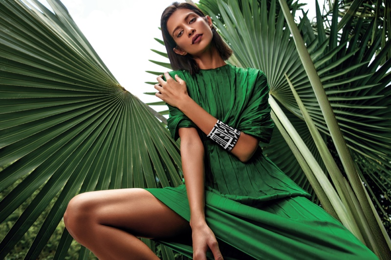 Model Outdoors Green Top Skirt Leaves Fashion Photo
