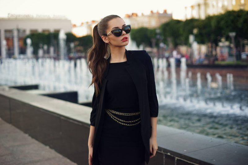 Model Professional Black Dress