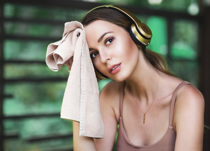 Model Wiping Face Workout Headphones Towel