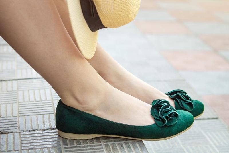 Woman Green Suede Ballet Flats