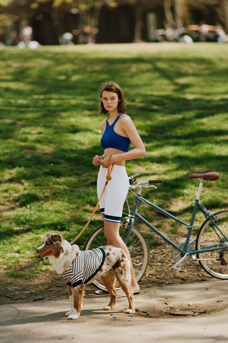 Cara Taylor poses at the park for Zara's spring-summer 2021 collection.
