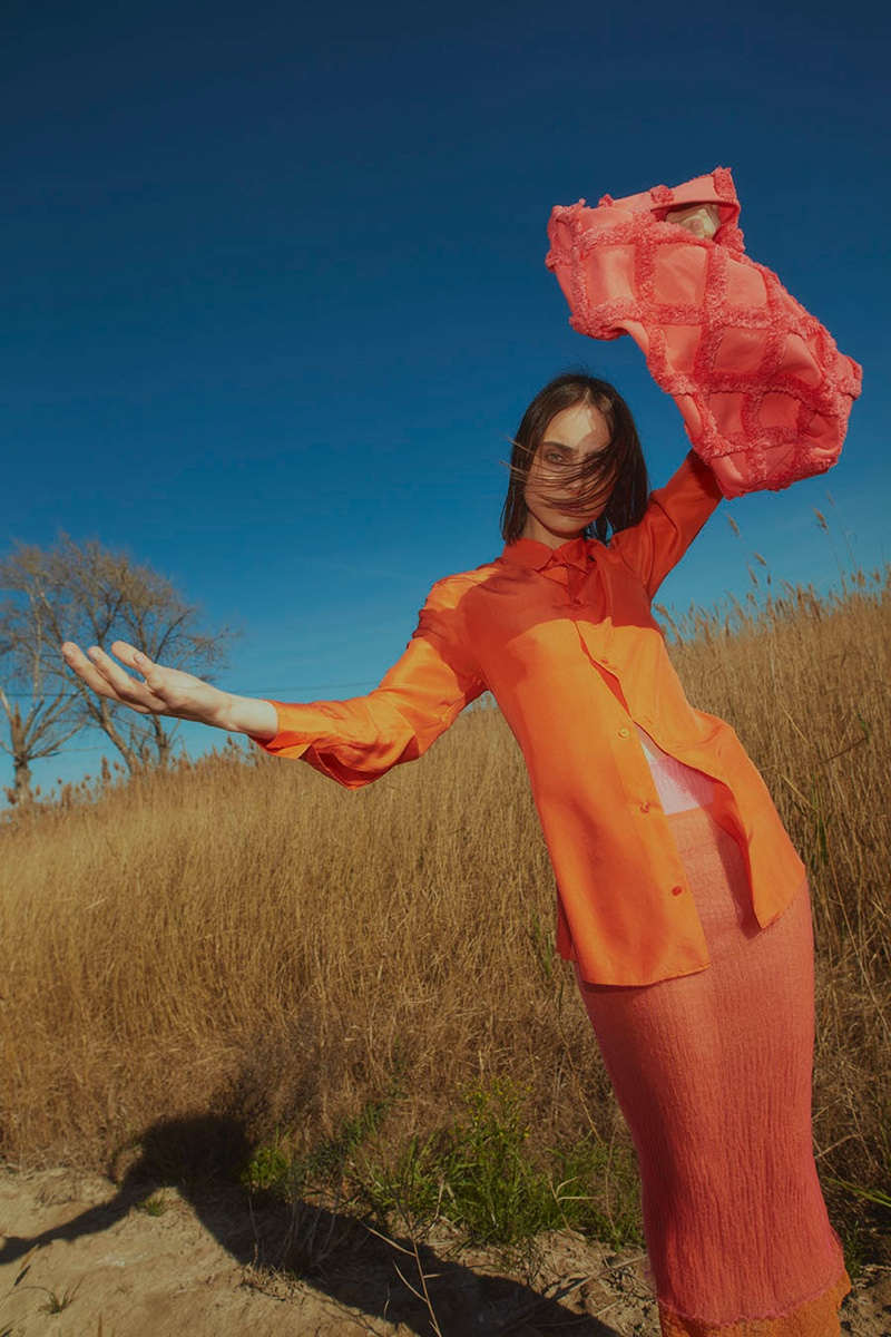 Lorena Guitián Embraces the Outdoors in Spring Fashion for L'Officiel Ukraine