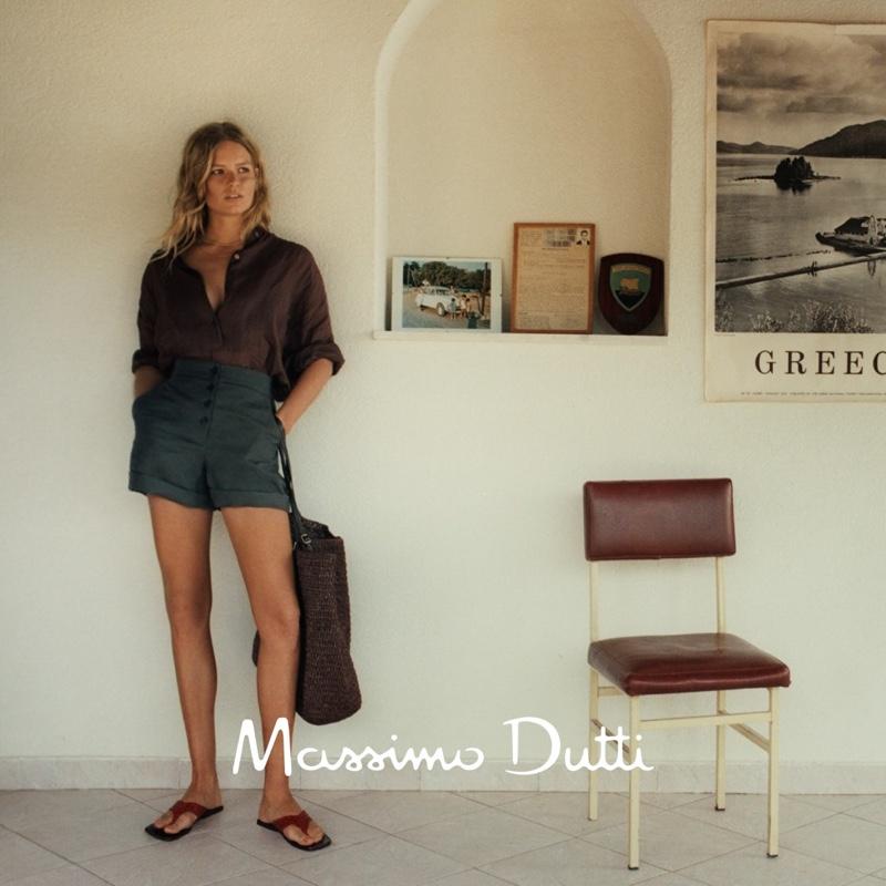 Massimo Dutti unveils spring-summer 2021 styles.