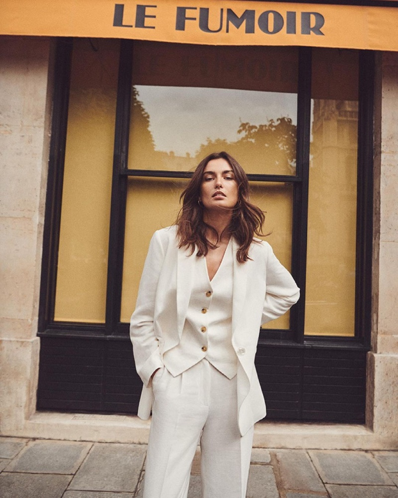 Andreea Diaconu suits up in Massimo Dutti's minimal summer 2021 styles.