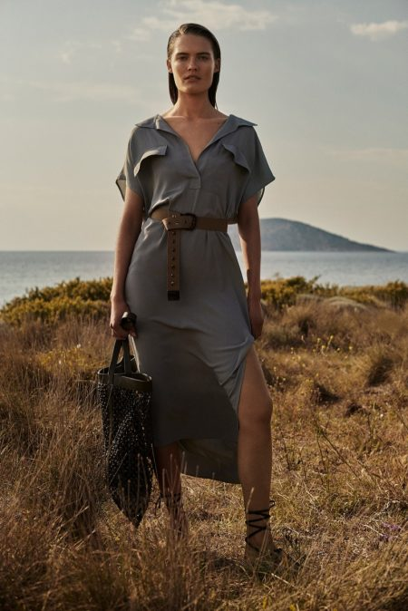 Elsemarie Riis poses for Massimo Dutti Natural Elements spring-summer 2021 collection.
