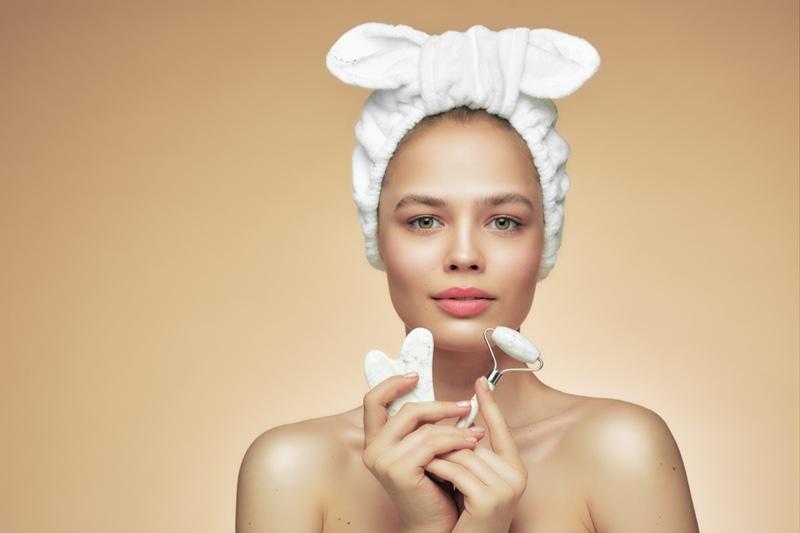 Model Beauty Face Roller Gua Sha Stone