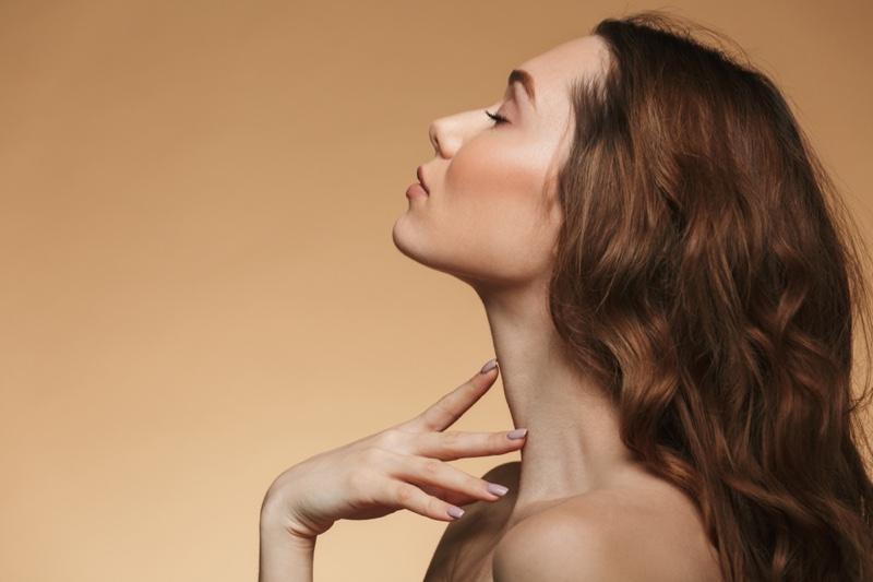 Model Long Neck Beauty Auburn Hair