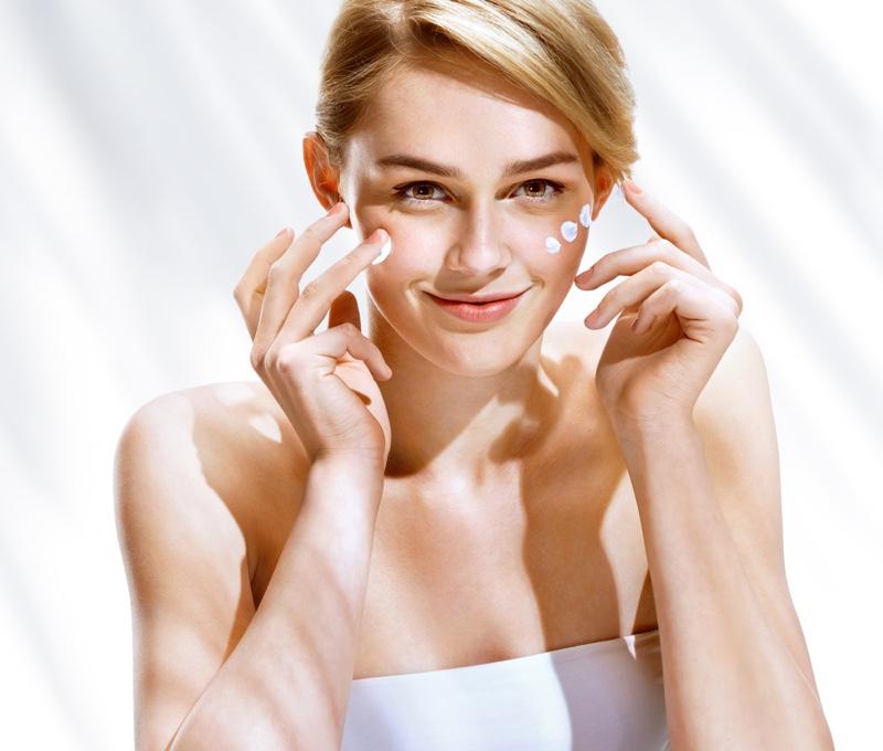 Model Moisturizing Skincare