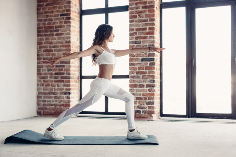 Model white Exercise Outfit Yoga Mat Stretch