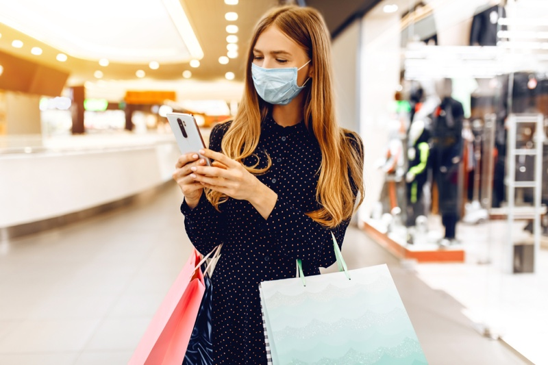 Woman Shopping Mall Face Mask Polka Dot Outfit
