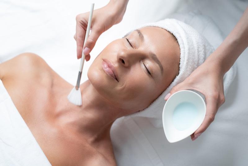 Woman Spa Beauty Treatment Neck Brush