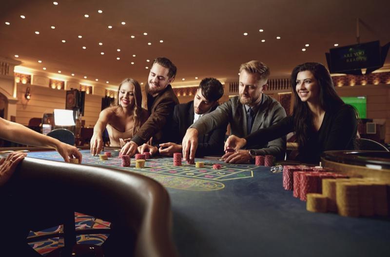 Friends Men Women Casino Table Chips