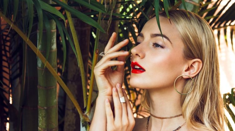5 Of The Trendiest Gold Earrings