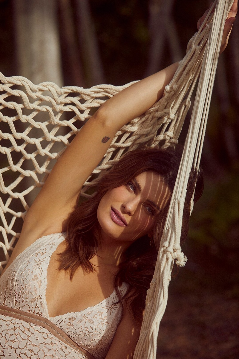 Isabeli Fontana poses for Love Stories x Riachuelo campaign.