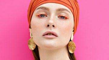 Model Beauty Summer Gold Disc Earrings Orange Headwrap