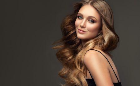 Model Blonde Light Brown Hair Wavy Glam