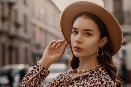 Model Gold Chain Necklace Hoop Earring Hat Jewelry