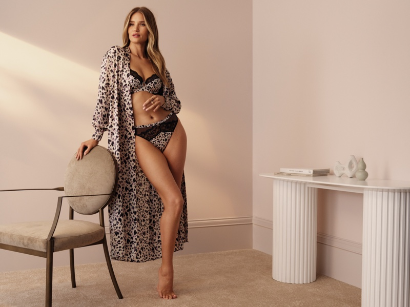 Showing off her figure, Rosie Huntington-Whiteley models her long-running Marks & Spencer lingerie collaboration.