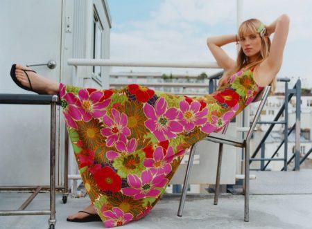 Rebecca Leigh Longendyke wears Zara Printed Dress Special Edition.