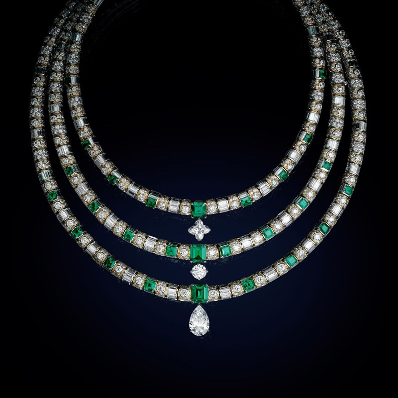 L'Aventure necklace from Louis Vuitton High Jewelry collection.