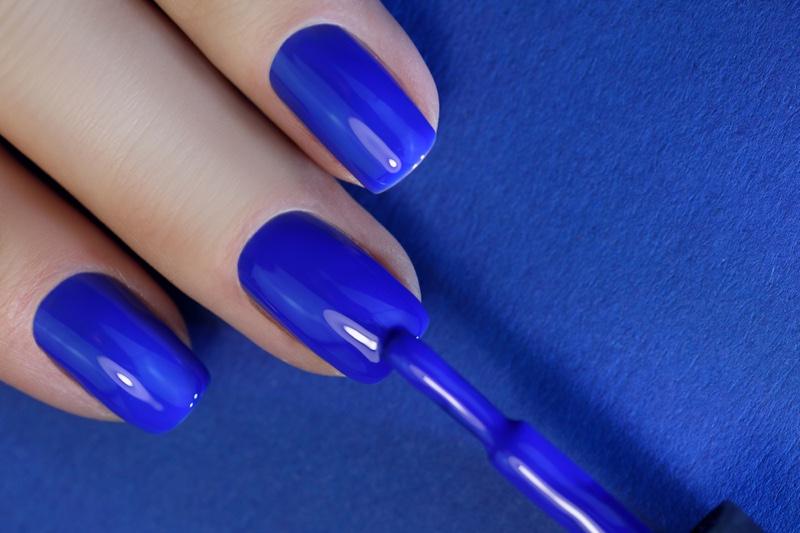 Painting Nails Blue Polish
