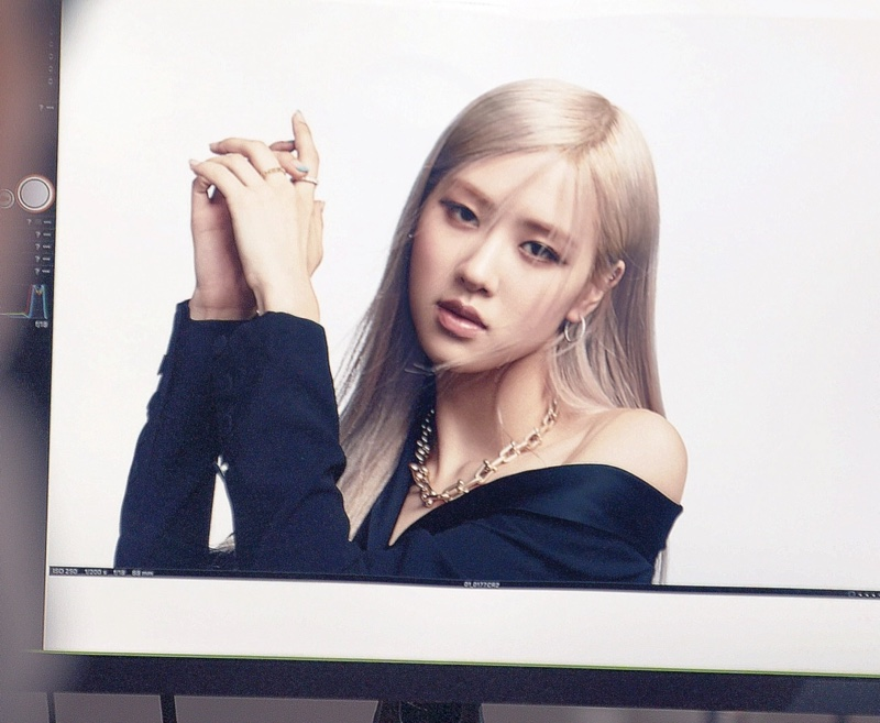 ROSÉ behind the scenes at Tiffany & Co. photoshoot.