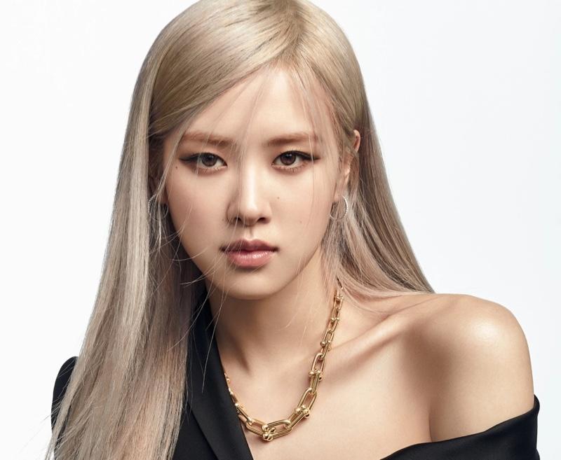 BLACKPINK's Rosé wears chain jewelry in Tiffany & Co. 2021 Tiffany HardWear campaign.