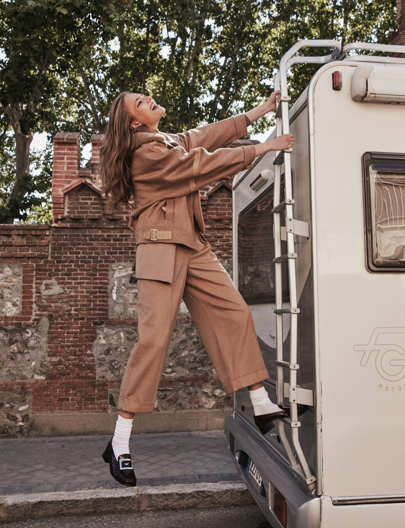 Anna Mila &Isilda Wear the Fall Collections for ELLE Spain