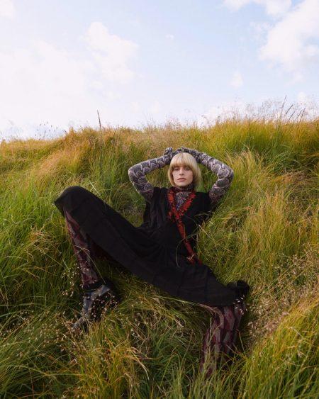 Cassidy Putnam Poses in Fall Fashion for Harper's Bazaar Czech