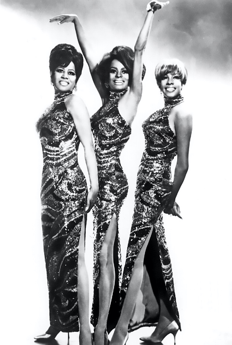 The Supremes wear matching sequin dresses in 1968. (Florence Ballard, Diana Ross, and Mary Wilson)   Photo Credit: Pictorial Press Ltd / Alamy Stock Photo