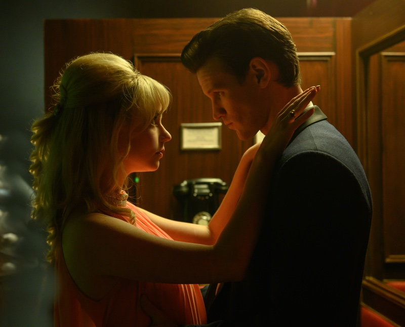 Actors Anya Taylor-Joy as Sandie and Matt Smith as Jack wear 1960s style in LAST NIGHT IN SOHO, a Focus Features release. | Photo Credit: Parisa Taghizadeh / © 2021 Focus Features, LLC