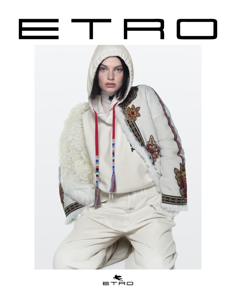 Mila van Eeten poses for Etro fall-winter 2021 campaign.