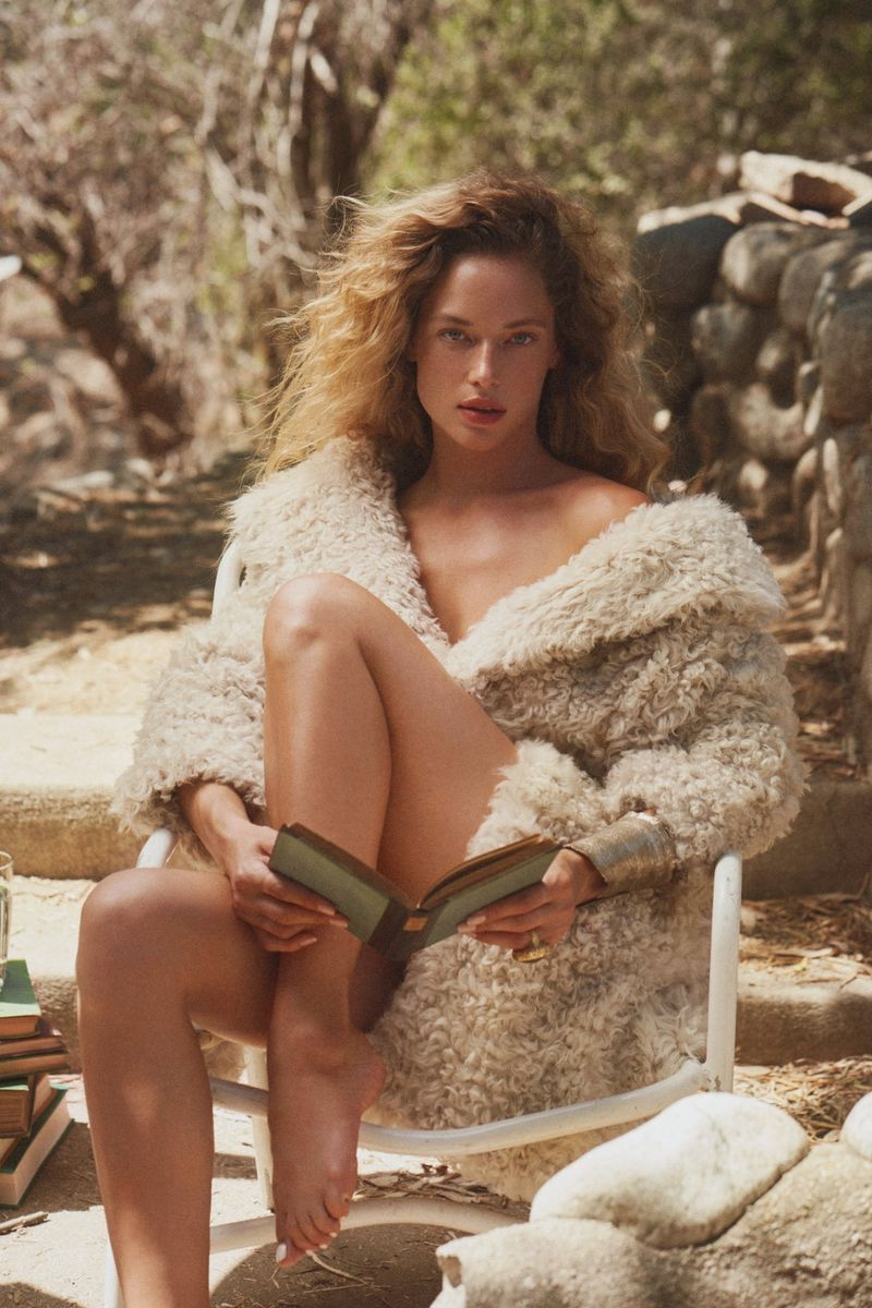 Hannah Ferguson Embraces Autumn Fashion for Harper's Bazaar Greece