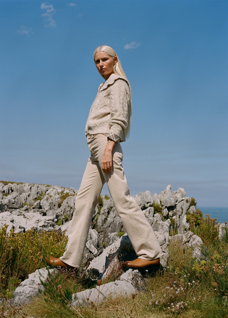 Mango Far From the Crowd fall-winter 2021 trend guide.
