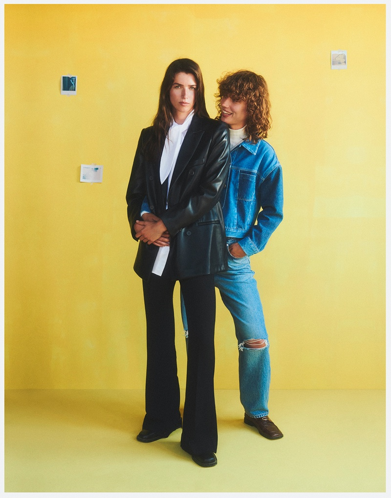 Gigi Ringel and Eeva Lion star in Mango This is Family fall-winter 2021 campaign.