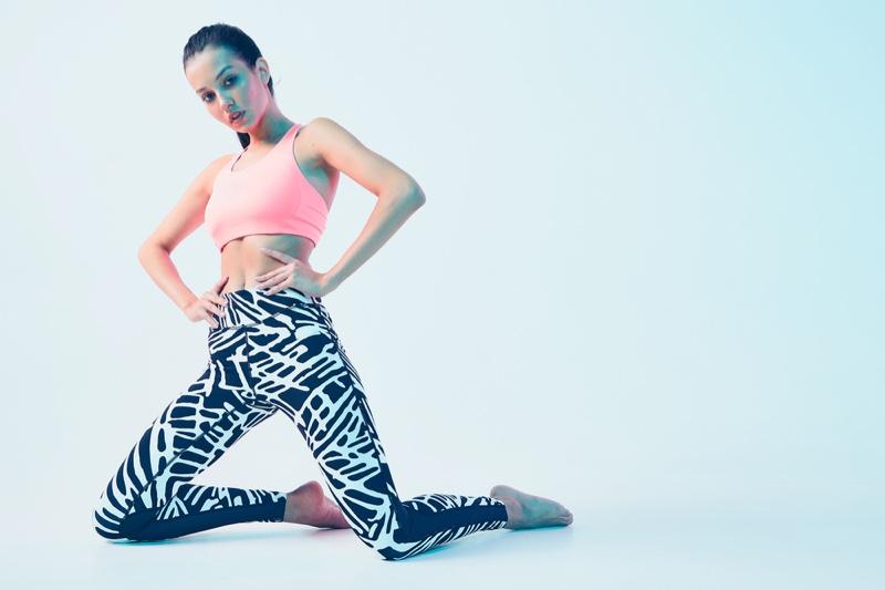 Model Fashion Pink Top Printed Leggings Activewear