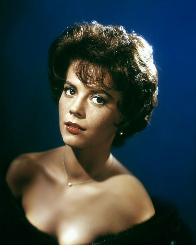 Natalie Wood shows off full curls with bangs in 1958. | Photo Credit: AF archive / Alamy Stock Photo