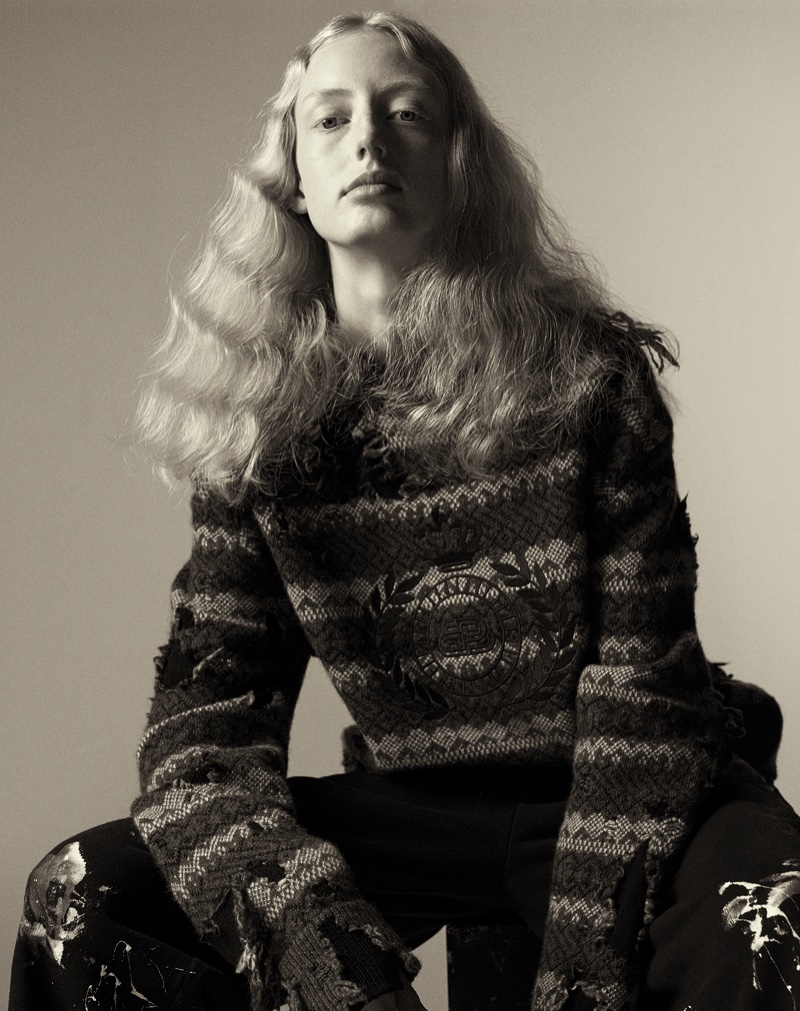 Miriam, Louise, Awar, Laura Pose In Chic Knits for WSJ. Magazine