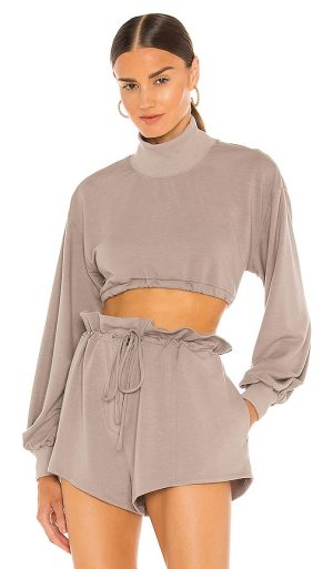 h:ours Georgi Cropped Sweatshirt in Taupe. - size XS (also in L, M, S, XL)