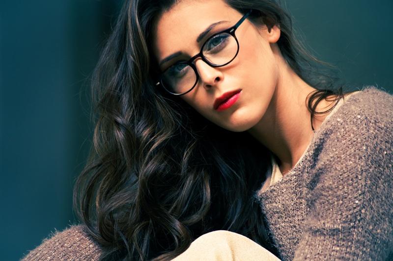 Brunette Model Oval Face Eyeglasses