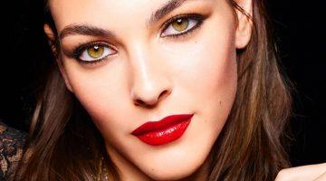 Vittoria Ceretti stars in Chanel Makeup Holiday 2021 campaign.