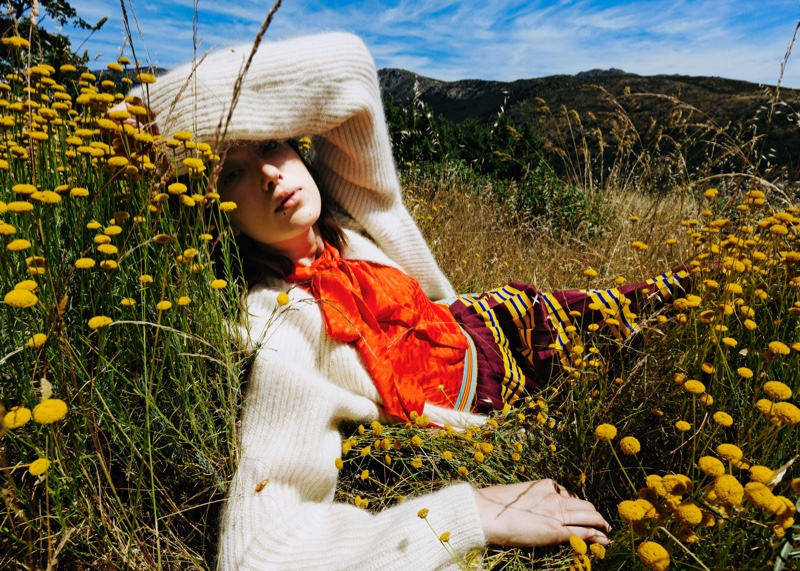 Irene Blanch Brings Style Outdoors for Mujer Hoy