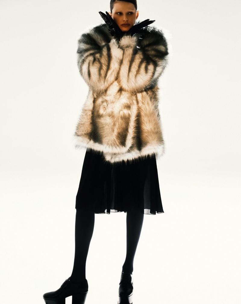 Isabeli Fontana Takes the Spotlight for Harper's Bazaar Brazil