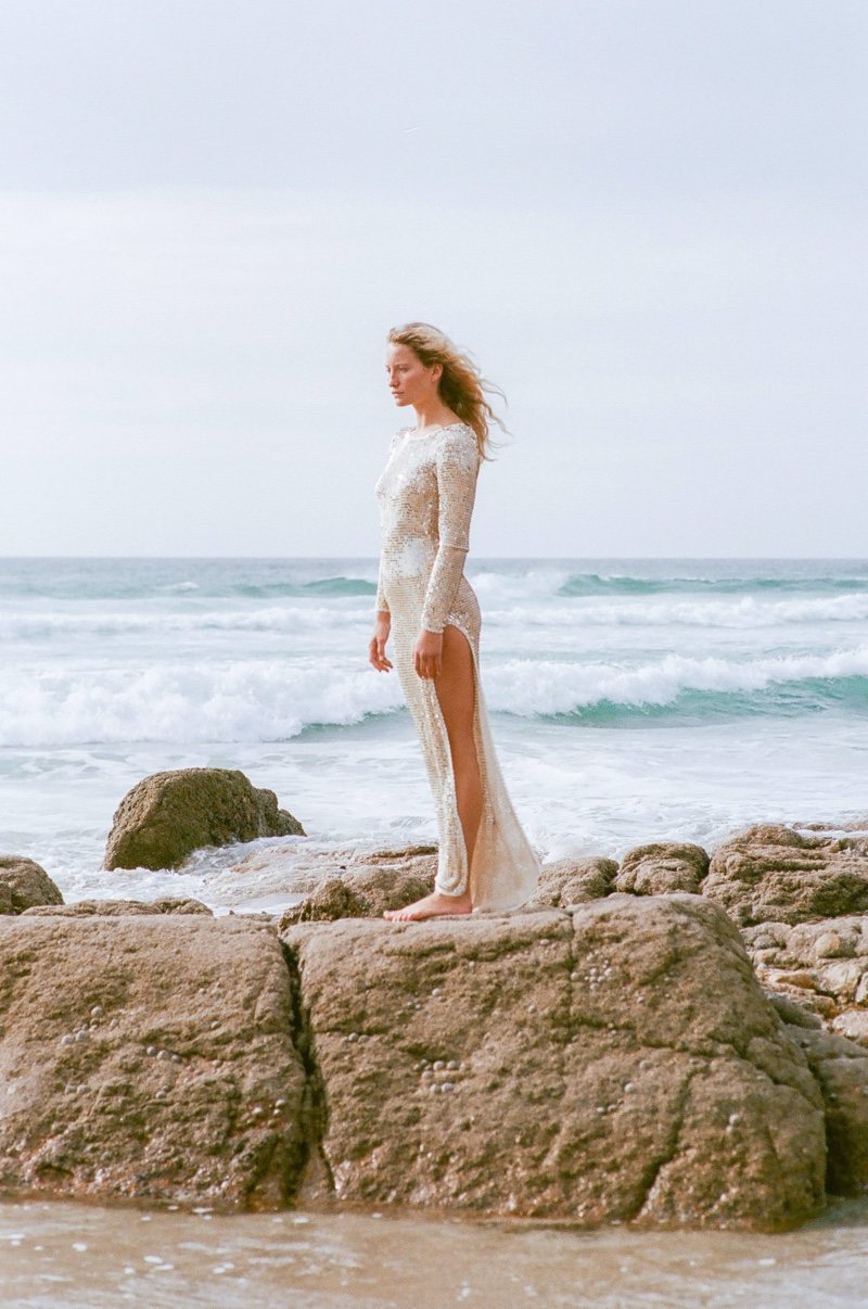 Jenna Rhidavies Models Beach-Ready Style for Phoenix Magazine